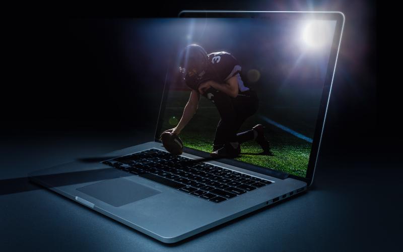 invisit events triptik 3 - football in a laptop